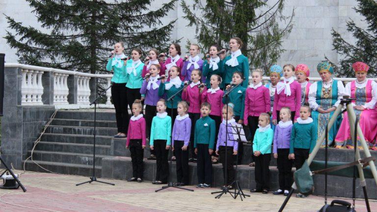 А песня в России — на все времена!
