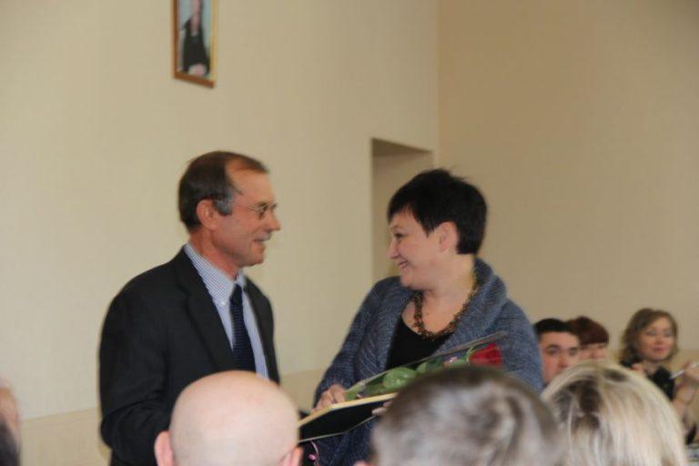 Торжественное награждение преподавателя и студентов колледжа депутатами Городской Думы