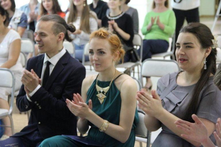 Вручение дипломов студентам специальности «Народное художественное творчество» по виду: «Хореографическое творчество»