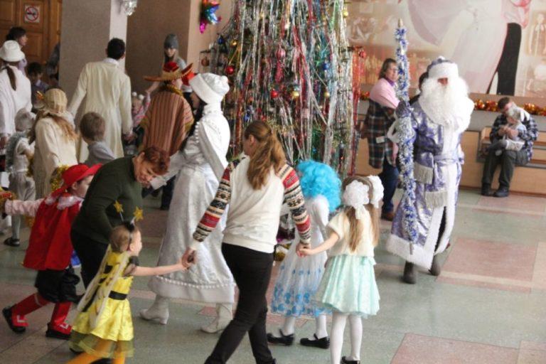 Новогодние праздники для детей города Биробиджана