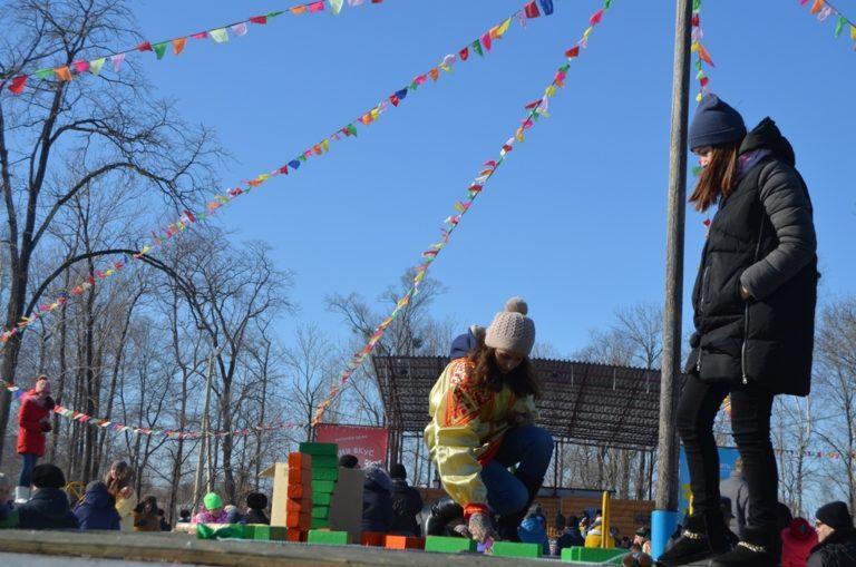 Студенты колледжа приняли участие в Масленичных гуляниях  в Парке культуры!