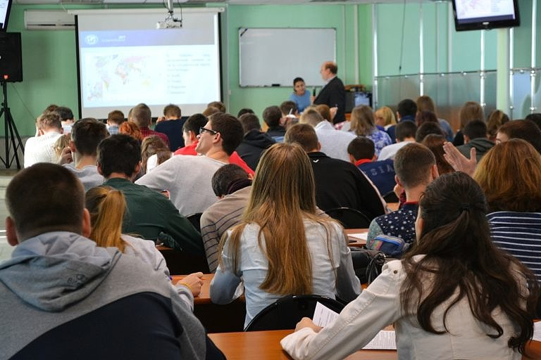 Студенты колледжа приняли участие в масштабной образовательной акции «Географический диктант-2017»!