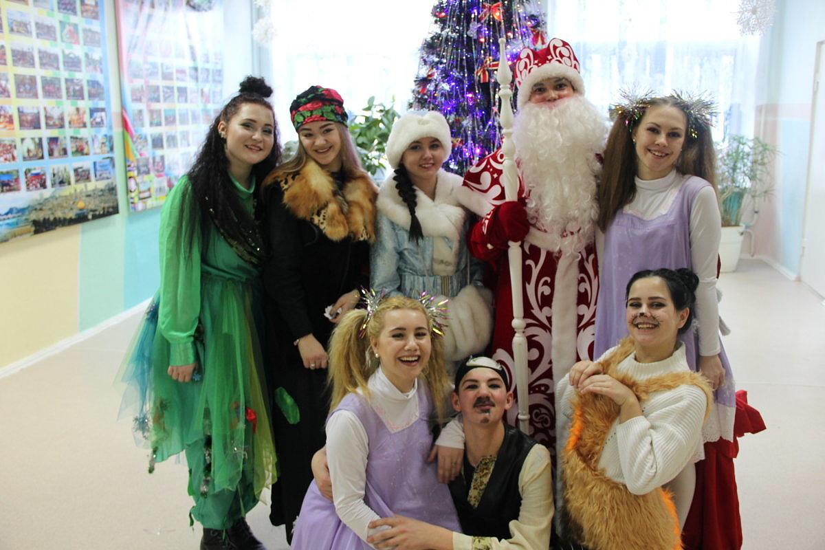 Новогоднее представление для детей  Детской хореографической школы «Сюрприз»