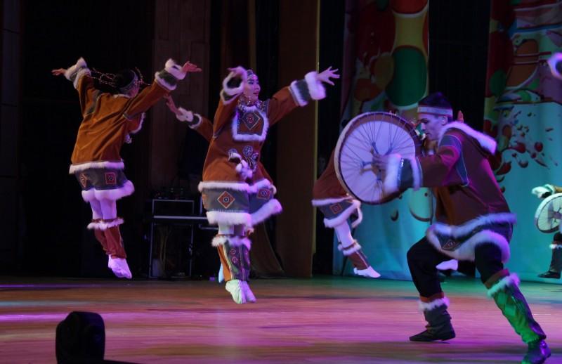 Ансамбль «Овация» принял участие в Межрегиональном фестивале национальных культур «В семье единой»