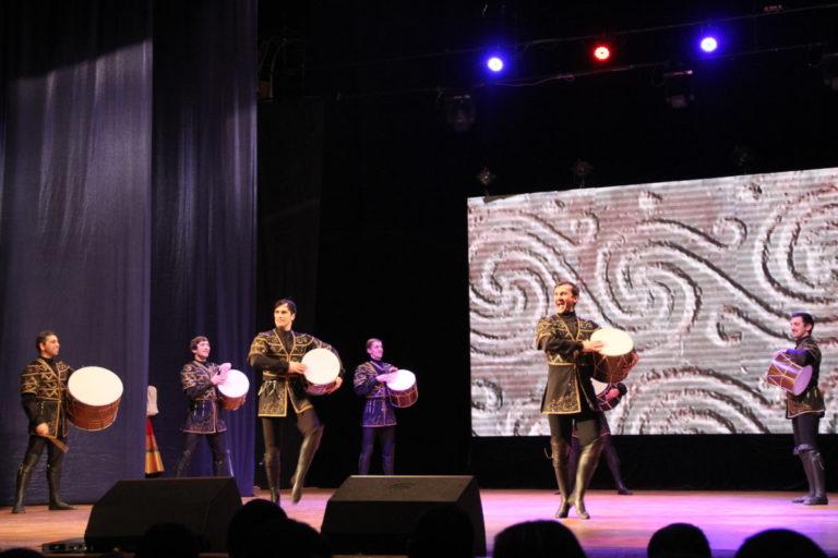 Ансамбль танца «Овация» принял участие в концерте Государственного академического Заслуженного ансамбля танца Дагестана «Лезгинка»