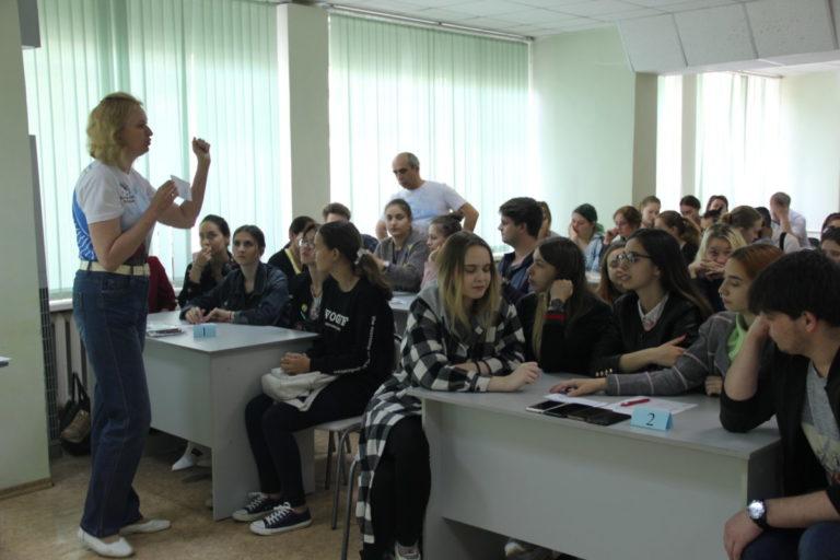 Всероссийская интеллектуальная игра РИСК: разум, интуиция, скорость, команда «За кулисами»