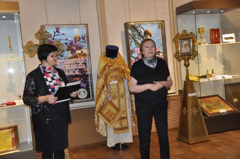 В областном краеведческом музее открыта выставка «Благовестник возрождения храмов»