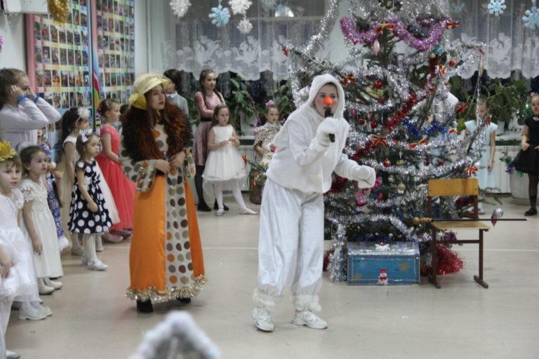 Волонтеры культуры приняли участие в акции «Каждый может стать Дедом Морозом»
