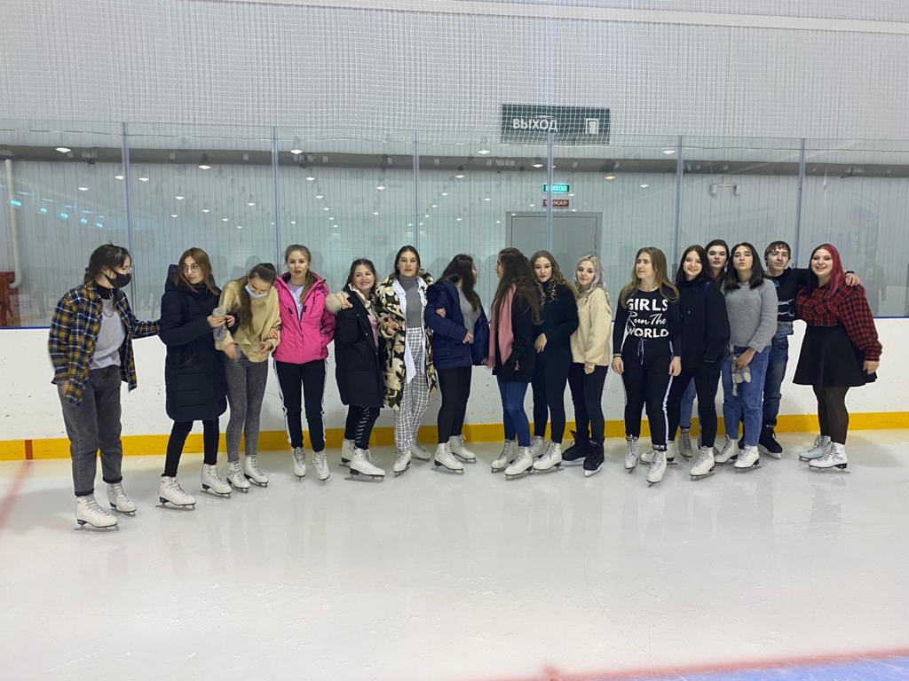 Ночное катание на коньках на крытом катке «Победа»