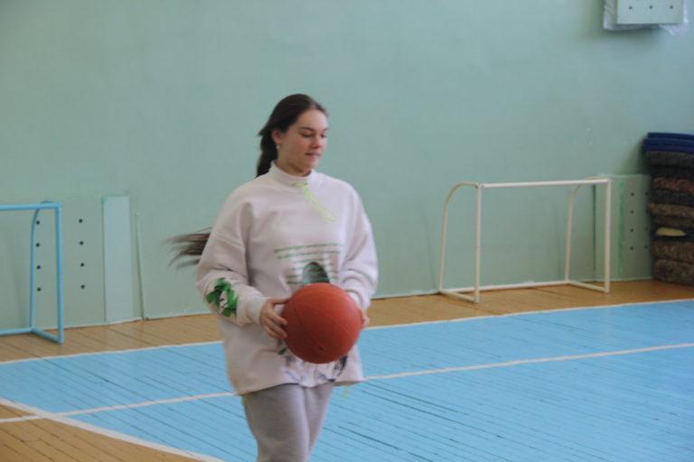 Парни колледжа культуры и искусств приняли участие в спортивной эстафете, посвященной Дню Защитника Отечества