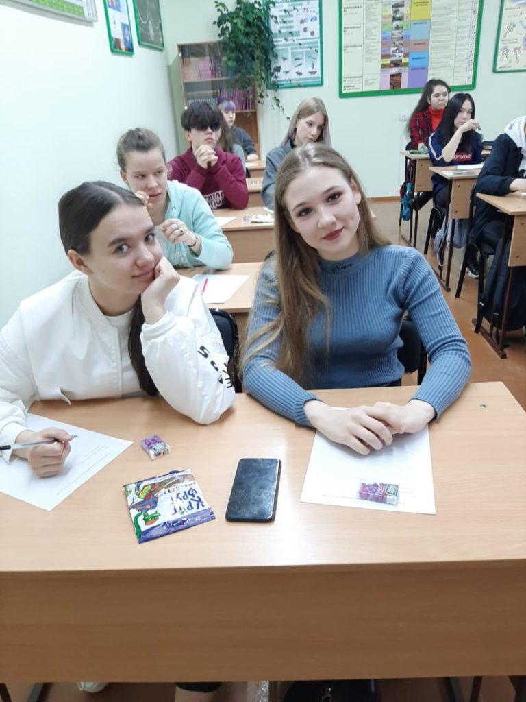 Сертификаты проекта «Школа Юного эколога»получили студенты 1 курса