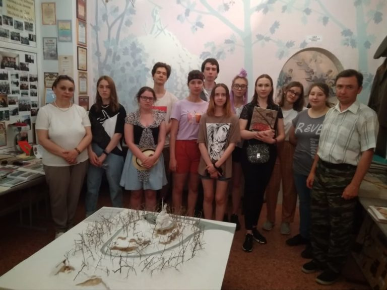 Волонтеры  культуры посетили объект культурного наследия Федерального значения «Памятник-музей, сооруженный в честь Волочаевских боев»
